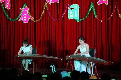 古筝二重奏《雪山春晓》